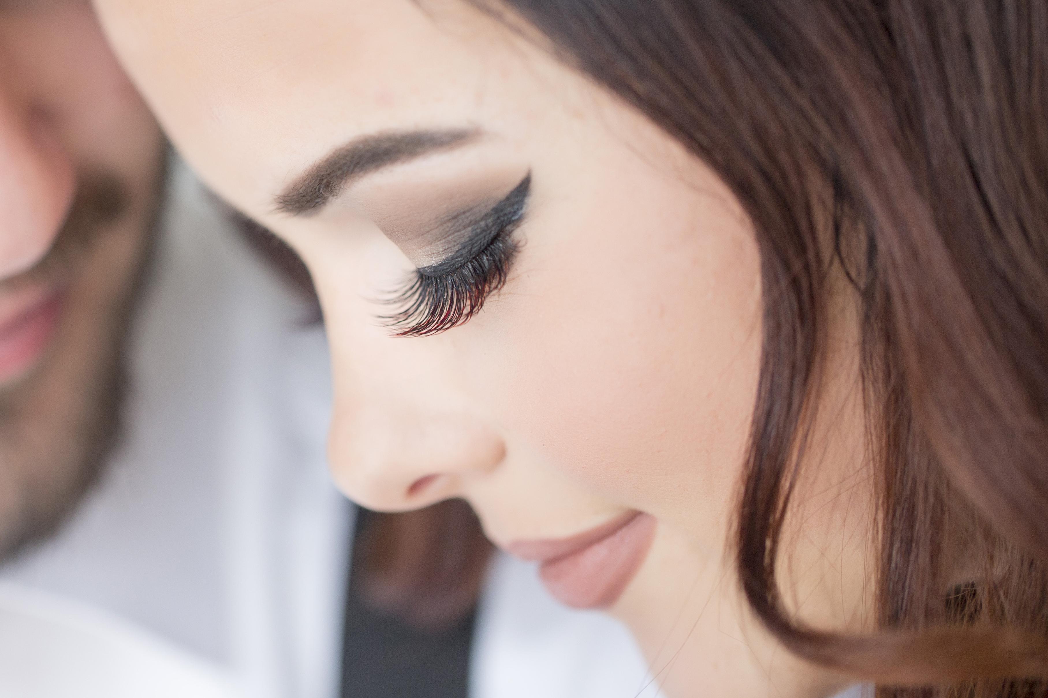 Finding Beautiful, Long Eyelash Extensions - Brisbane Business Network
